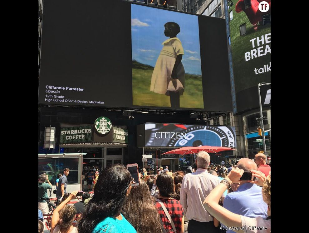 La toile représentant une petite Ougandaise peinte par Cliffannie Forrester exposée à Times Square