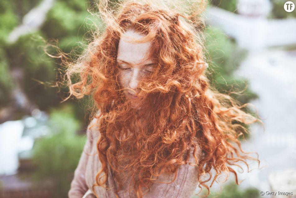 Voici 10 astuces que toutes les filles aux cheveux bouclés devraient connaître.