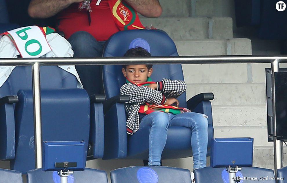 Cristiano Junior, fils de Ronaldo dans les tribunes de l'Euro 2016