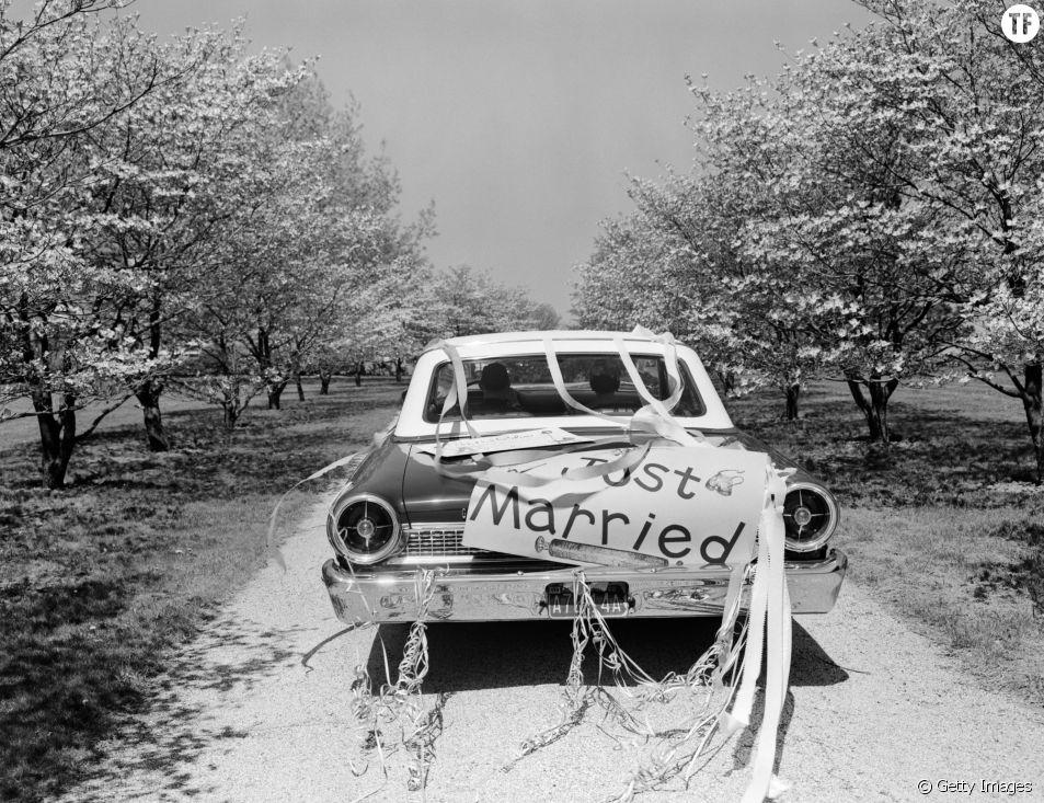 Nouveaux mariés dans les années années 50