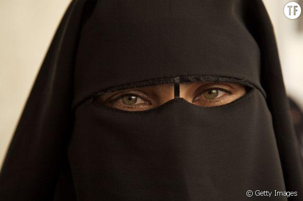 Selon le député Agina, les filles devraient être soumises à un test de virginité pour pouvoir rentrer à l'université