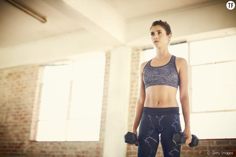 Exercices pour muscler son ventre et perdre ses poignets d'amour