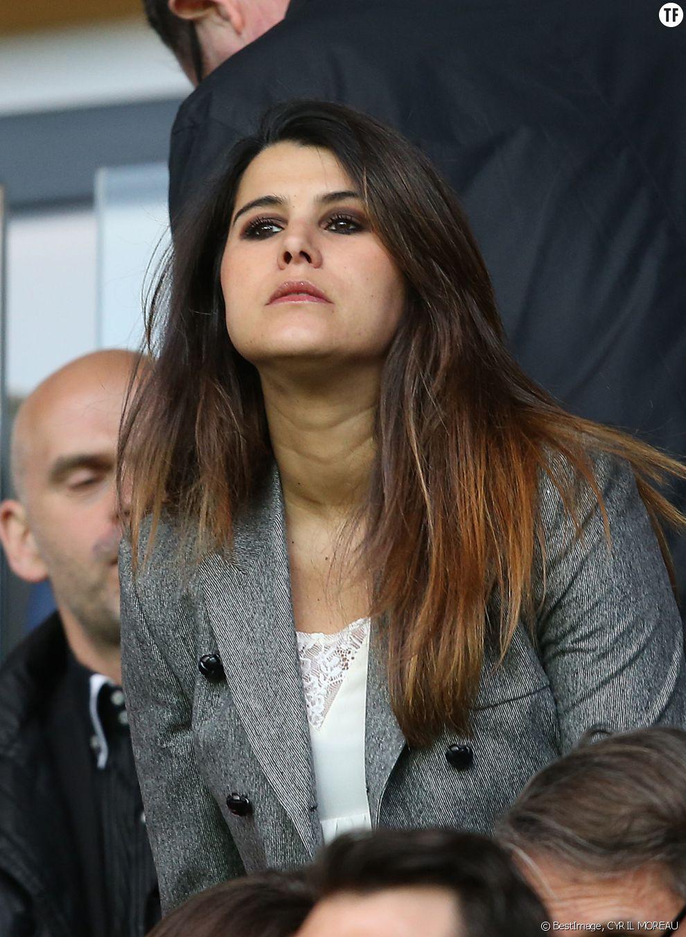 Karine Ferri assiste au match PSG - Rennes au Parc des Princes, le 29 avril 2016