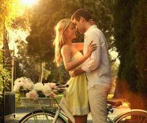 8 différences entre les comédies romantiques et notre vie amoureuse