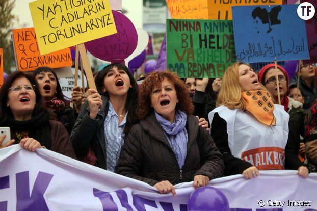 Manifestation des femmes turques contre les violences sexuelles et le mariage forcé