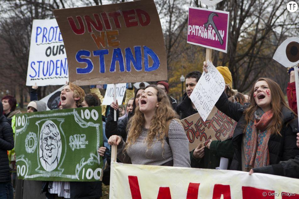 Une manifestation anti-Trump d'étudiantes le 5 décembre 2016 à Boston