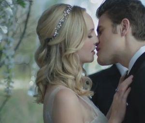 Le mariage de Caroline et Stefan dans l'épisode 15 de The Vampire Diaries