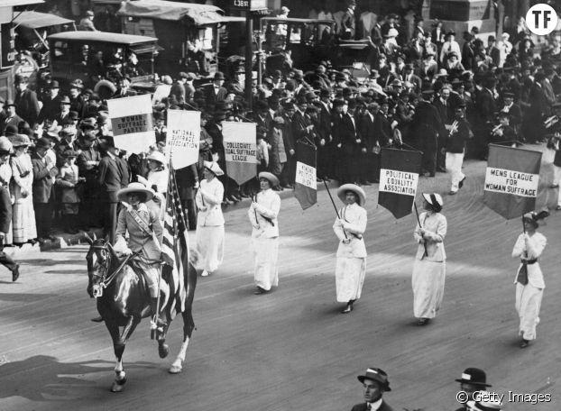 La marche des suffragettes le 3 mars 1913