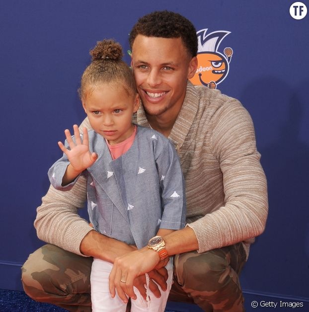 Le joueur Stephen Curry et sa fille Riley Curry