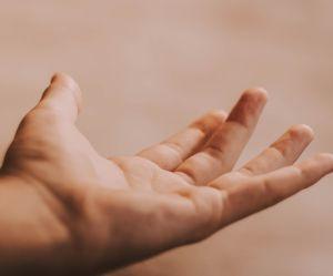 La technique facile pour faire un hypno-massage chez soi