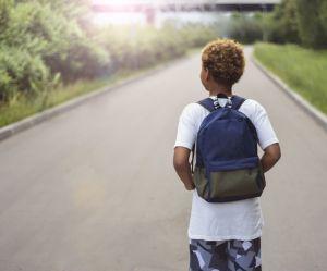 Les enfants noirs discriminés à cause de leurs cheveux en Angleterre