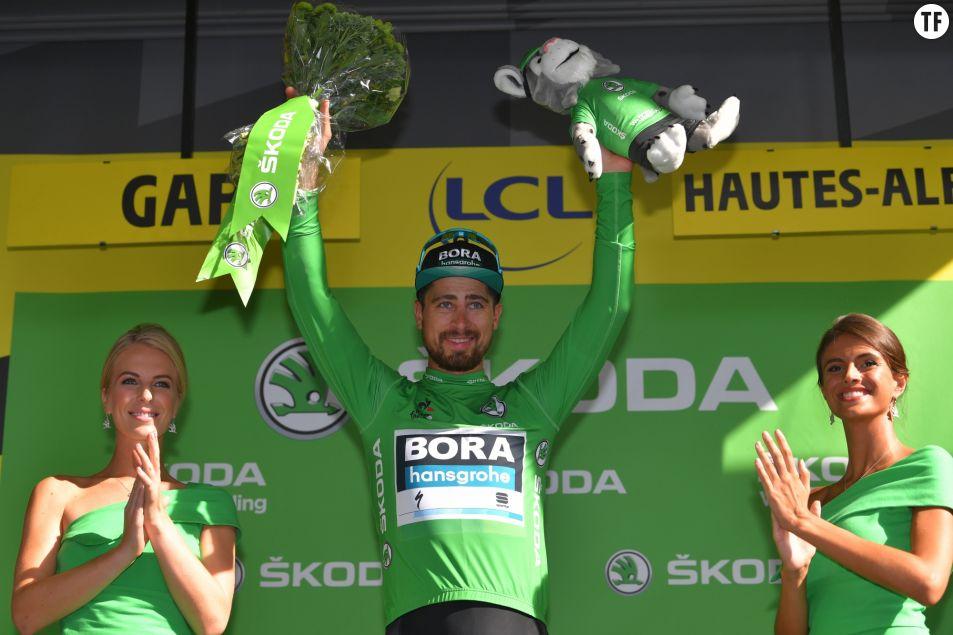A quand la fin des hôtesses sur les podiums du Tour ? Getty Images.