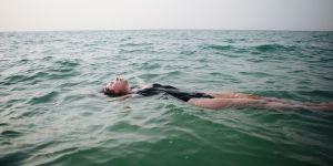 Pourquoi la nage libère le corps des femmes