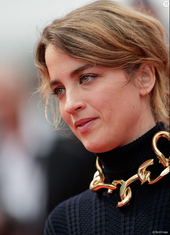 Adèle Haenel accuse un réalisateur français d'attouchements et de harcèlement sexuel
