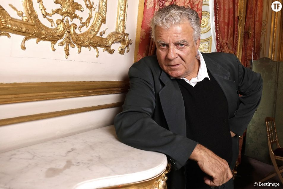 Accusé d'inceste par Camille Kouchner, le politologue Olivier Duhamel démissionne de ses fonctions.