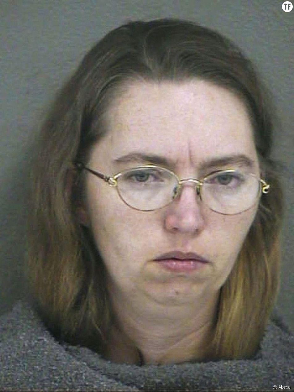 Lisa Montgomery, vue ici après son arrestation pour le meurtre d'une femme enceinte en 2004, a été exécutée par injection létale mercredi 13 janvier 2021 au pénitencier américain de Terre Haute, Indiana.
