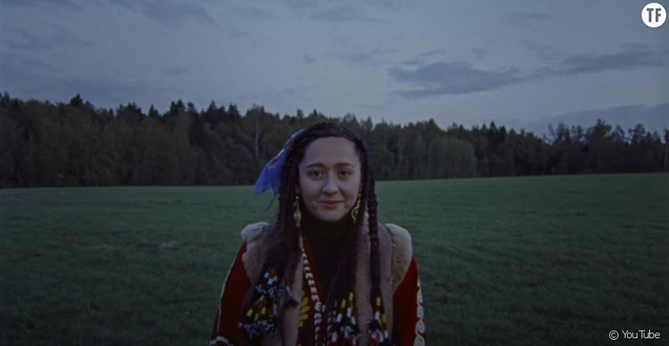 """MANIZHA - Сейчас дважды не случится"". Manizha, future star russe de l'Eurovision."