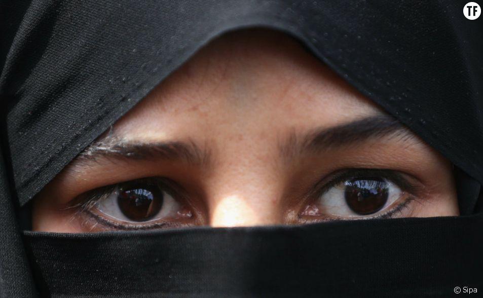 Les projets de loi, débattus en avril au Parlement iranien, pourraient priver les femmes de contracetpion et de travail.