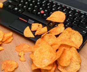 7 aliments à boulotter au bureau pour énerver vos collègues relous