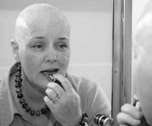 Cancer et féminité : quand se faire belle devient thérapeutique
