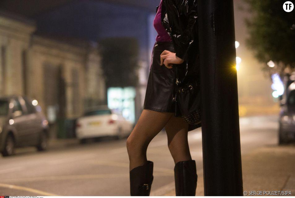 Illustration d'une prostituée attendant un client