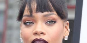 Rihanna a (encore) changé de couleur de cheveux