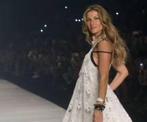 Gisele Bündchen : elle s'effondre en larmes pour son dernier défilé (vidéo)