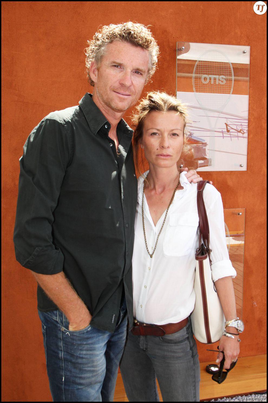 Denis BROGNIART et sa femme Hortense - PEOPLE A LA TREIZIEME JOURNEE DES INTERNATIONAUX DE FRANCE DE TENNIS DE ROLAND GARROS 2011