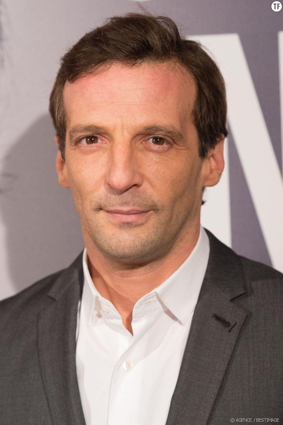 """Mathieu Kassovitz à la première du film """"Un illustre inconnu"""" au cinéma Gaumont Opéra à Paris, le 17 novembre 2014."""