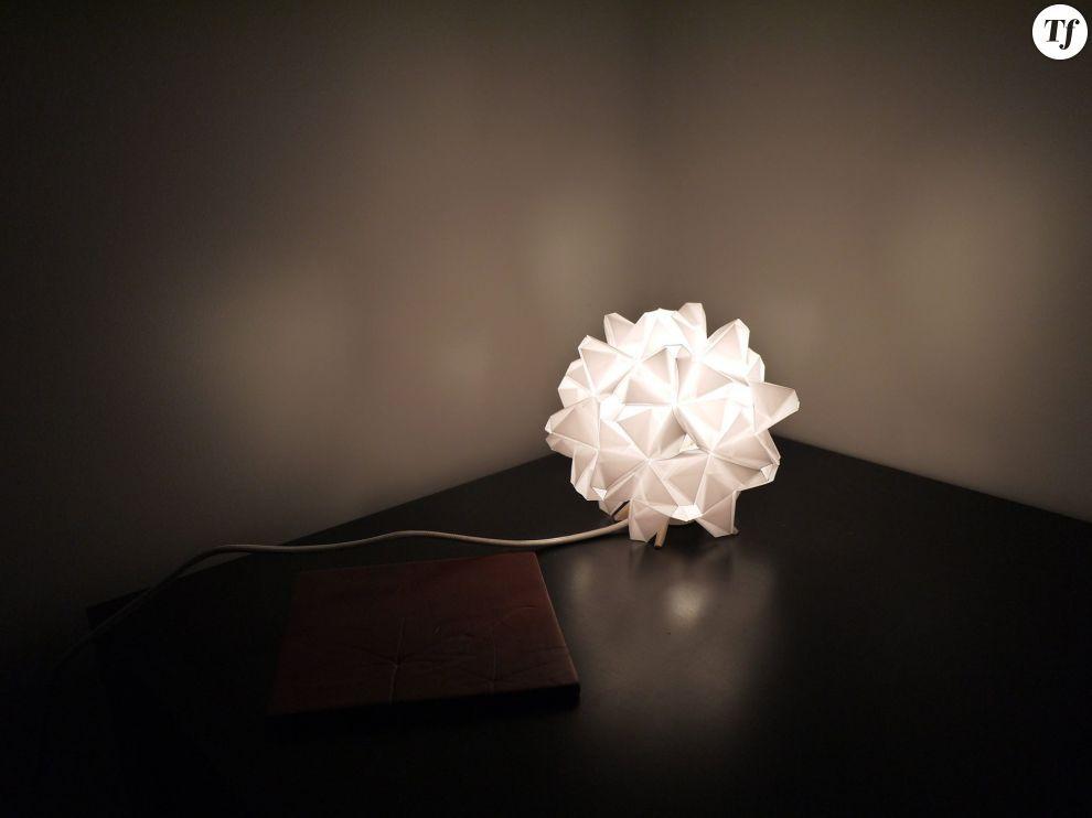 Lampe origami 35€  sur Alittlemarket