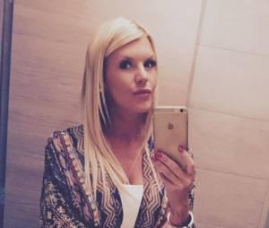 """Amelie Neten en couple : folle de son """"amoureux"""" dont elle serait enceinte"""