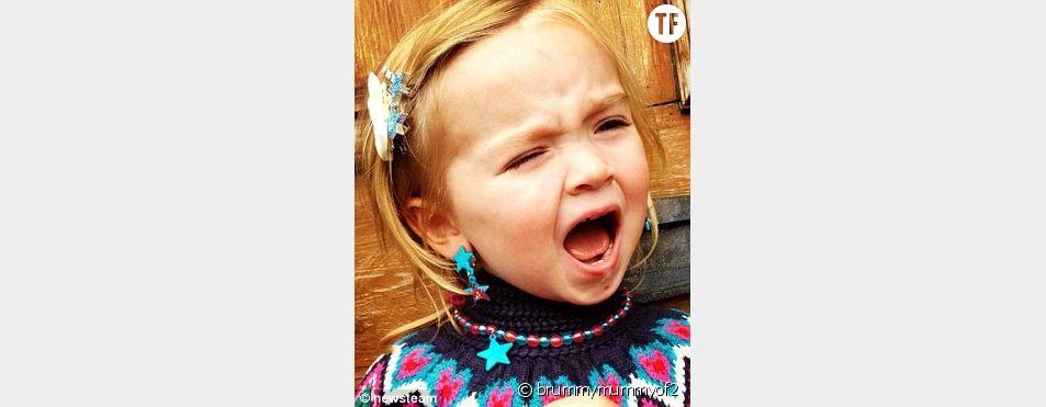 Erin, la fille d'Emma Conway pique une grosse colère.