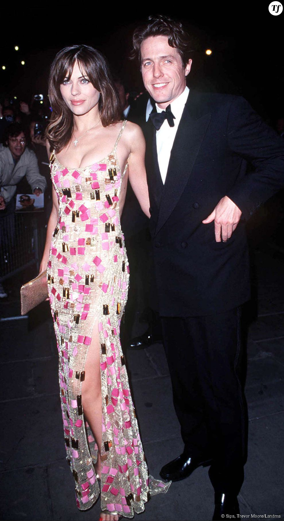 Hugh Grant et son ex compagne Elizabeth Hurley en 1999