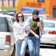 Kristen Stewart et Alicia Cargile dans le quartier de Silverlake à Los Angeles le 6 juin 2015.