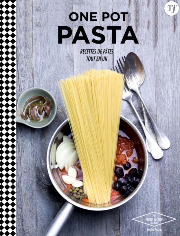 À offrir aux fans, le livre de recettes One pot pasta : recettes de pâtes tout-en-un de Emilie Perrin