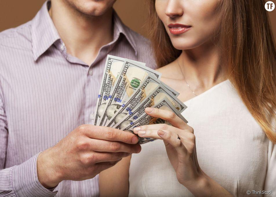 43% des personnes engagées dans une relation longue durée ne connaissent pas les revenus de leur conjoint, selon un sondage réalisé par la société Fidelity Investments.