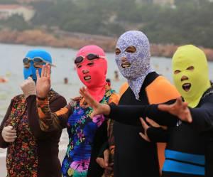 Le face-kini : quand les Chinois enfilent leur cagoule pour combattre le soleil