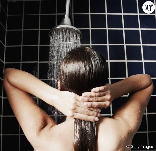 L'eau de votre douche pourrait bien être néfaste pour vos cheveux
