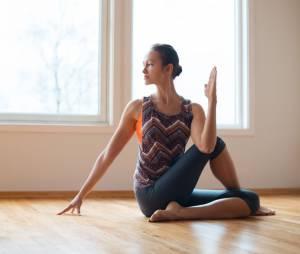 5 postures de yoga faciles pour soulager le mal de dos