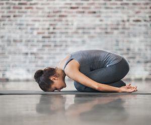 Astro-yoga : 2 postures spécialement conçues pour les Verseaux