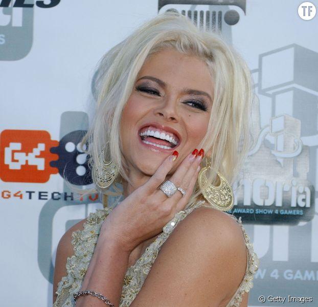 """""""Blonde à forte poitrine"""" : Anna Nicole Smith racontée par Camille de Peretti"""
