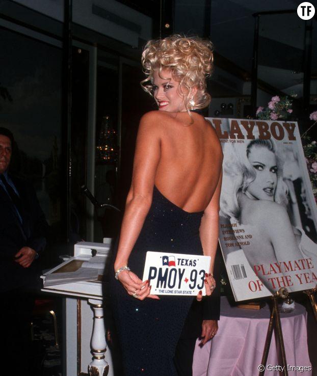 Anna Nicole Smith couronnée playmate de l'année 1993 par Playboy