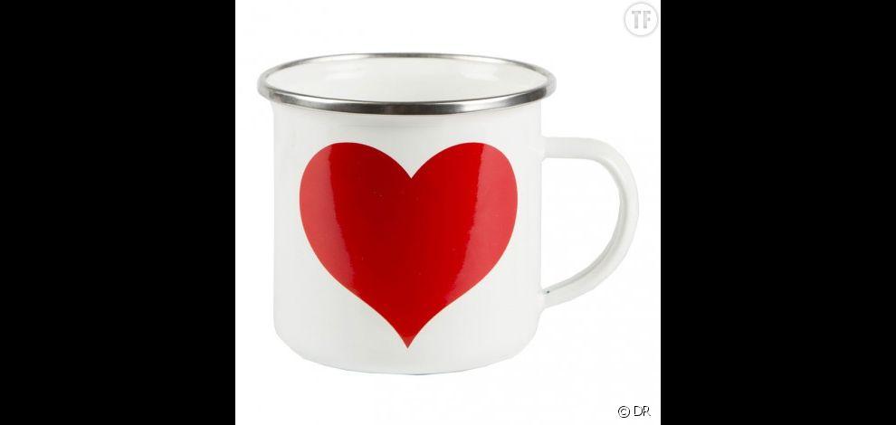 Mug émaillé coeur,  9 euros sur le shop Les Fleurs