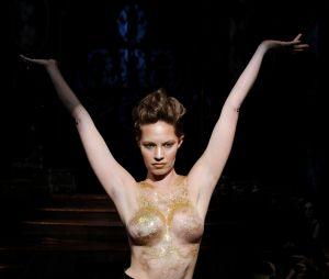 Des survivantes du cancer du sein défilent à la Fashion Week de New York