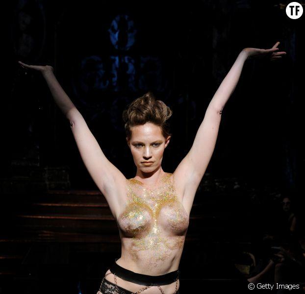 La marque de lingerie AnaOno a fait défiler des survivantes du cancer du sein