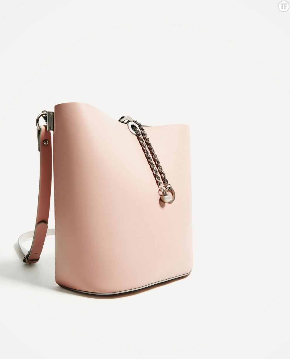 Sac seau avec chaîne Zara, 39,95€