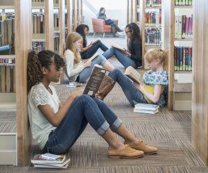 """Une pause """"livres"""" obligatoire : la bonne idée d'un collège français"""