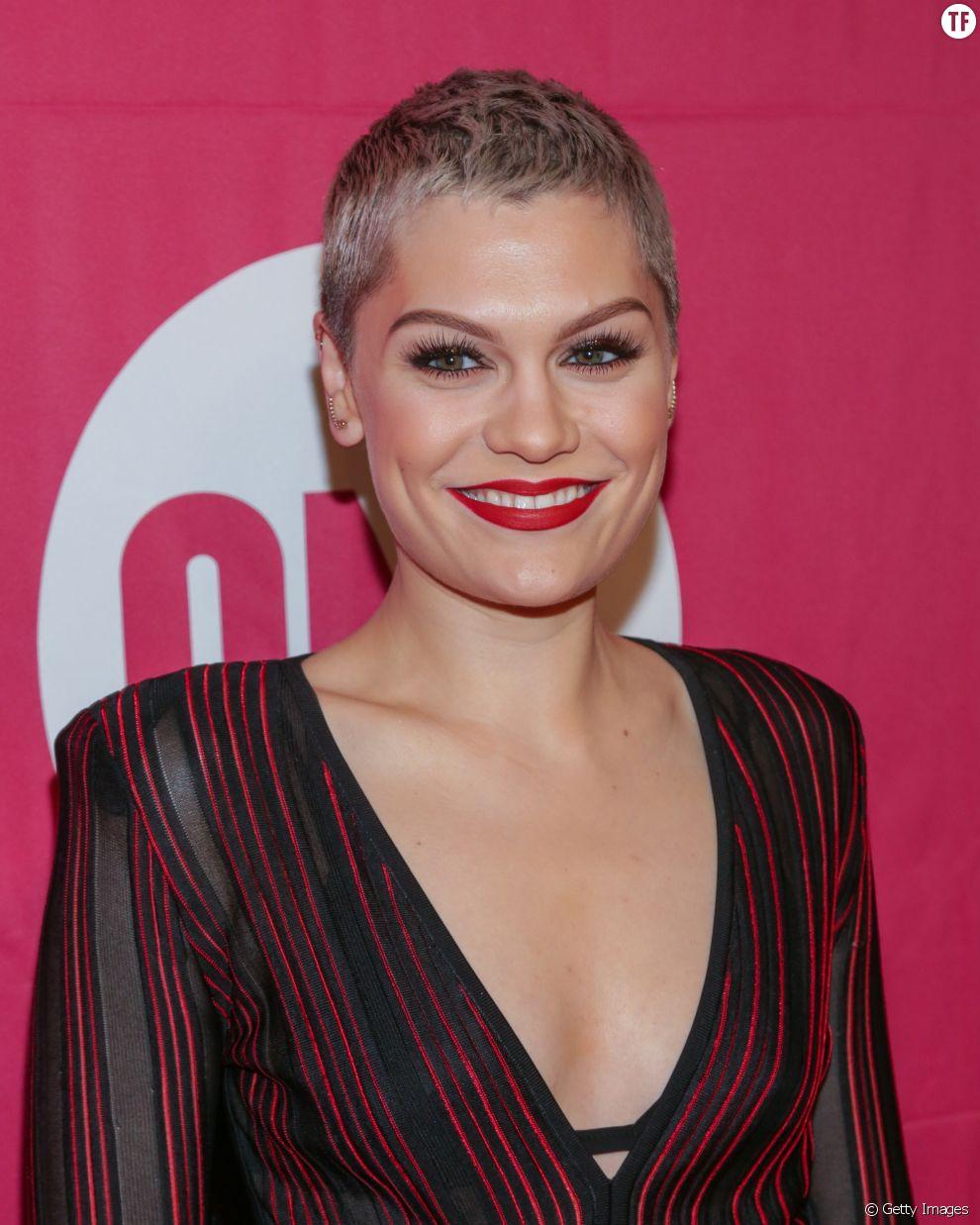 La chanteuse Jessie J s'est râsée la tête en 2013