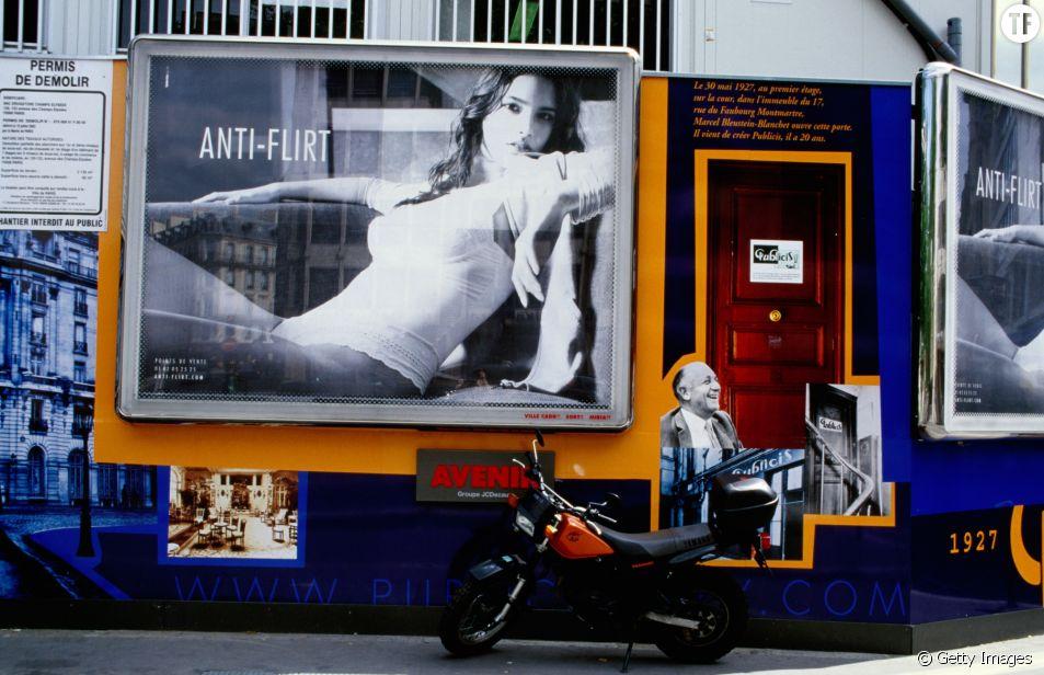 La ville de Paris bannit les publicités sexistes et discriminatoires