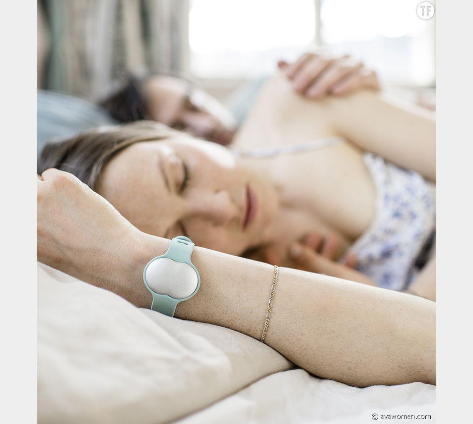 """Le bracelet """"fertilité"""" d'Ava"""